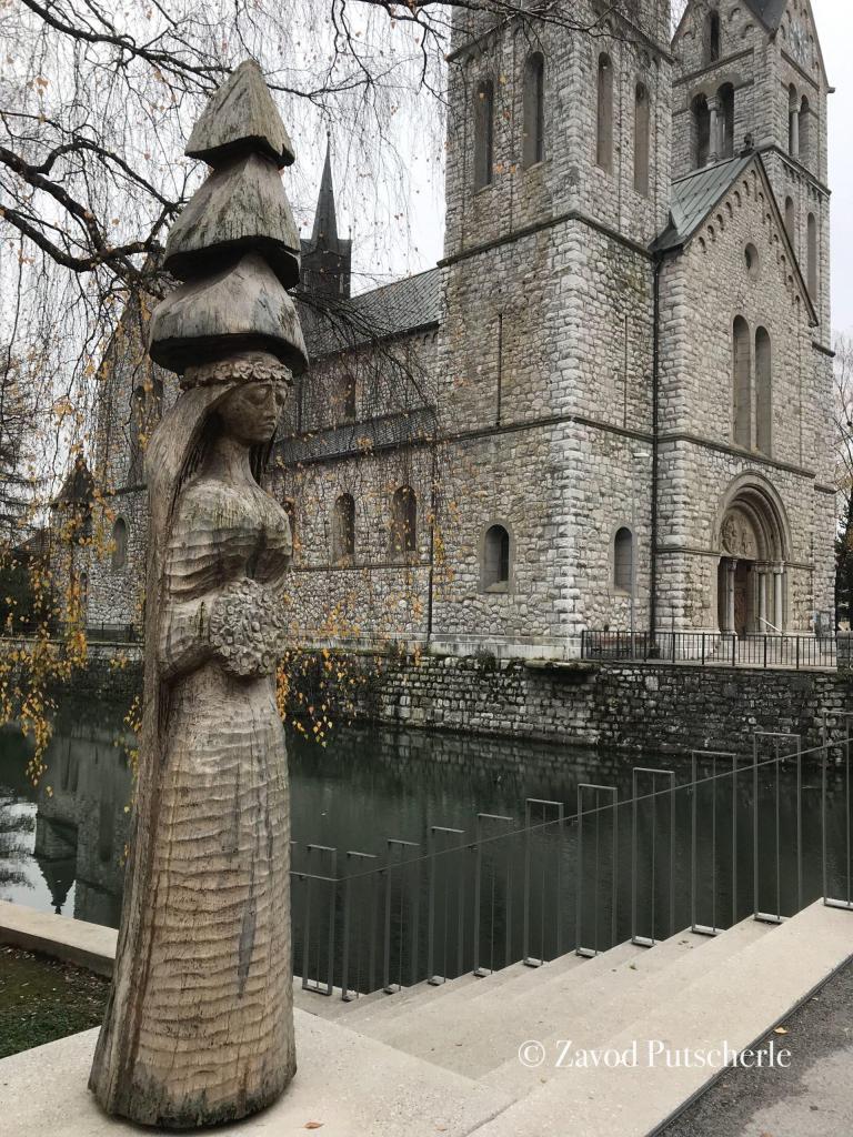 The forest bride, statue, Stane Jarm, Kočevje; photo: Anja Moric
