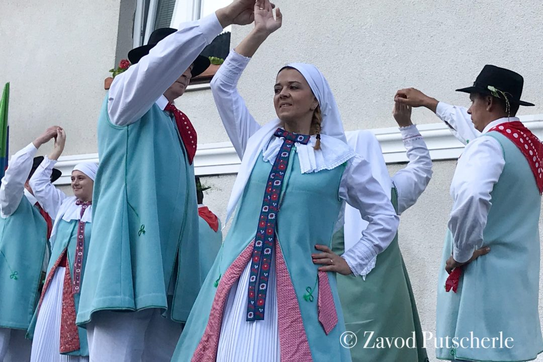 Gottscheer folk group performance, Zavod Putscherle