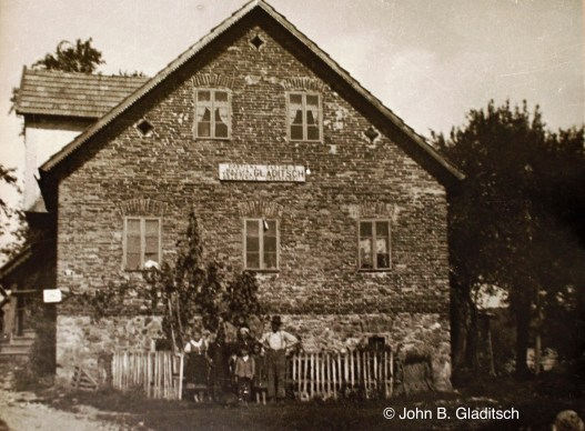 Gladitsch's house and inn in Dolnja Briga (Niedertiefenbach) before the war. The photo is owned by John B. Gladitsch.