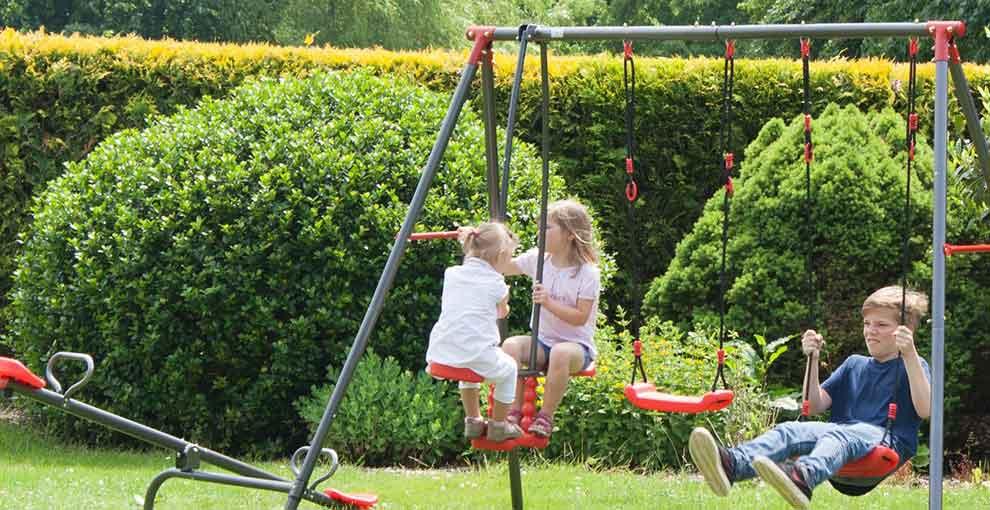 Huśtawki ogrodowe dla dzieci