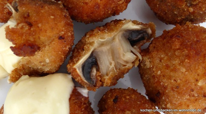 Frittierte Champignons mit Knoblauchcreme