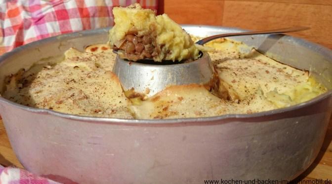 Sheperdˋs Pie: Süßkartoffel Linsen Auflauf aus dem Omnia Camping Backofen