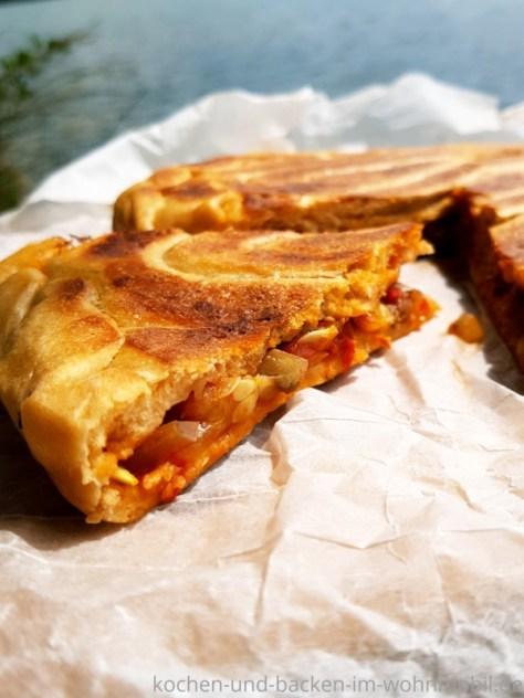 Ohne Ofen in der Pfanne backen: Empanada