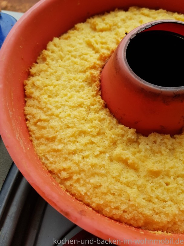 Kokoskuchen ohne Mehl aus dem Omnia Backofen