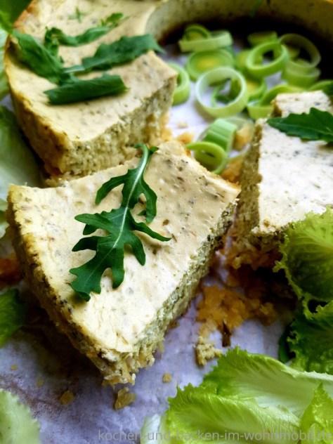 Omnia Rezept: Herzhafter Käsekuchen mit Kräutern