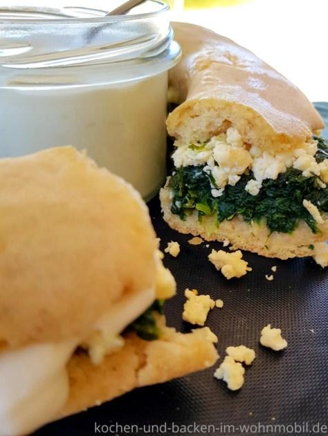 Omnia Rezept: Überbackenes Baguette mit Spinat und Feta