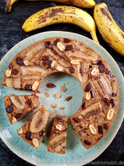 Low Carb Rezept aus dem Omnia Backofen: Gesundes Bananenbrot ohne Mehl
