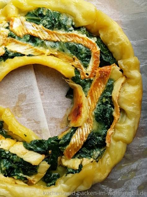 Schnelle Tarte mit Mangold und Blättertrig aus dem Omnia Backofen