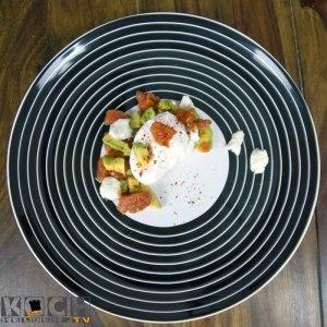 Porchiertes Ei mit Avocado-Tomate - www.kochhelden.tv