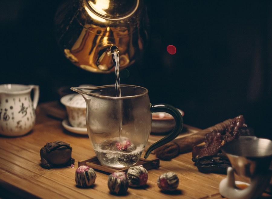 Tee richtig zubereiten mit der Teemaschine. Tipps & Tricks