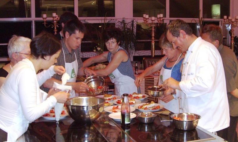 Kochkurse bei Siemens lifeKochschule bei Adrian Kchen