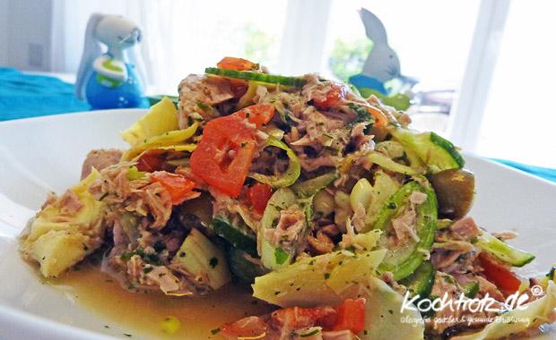 Thunfisch-Salat mit Artischoken und Oliven