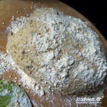 quinoa-brot-halb-halb-glutenfrei-rezept-kochtrotz-1-9