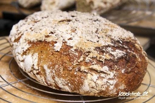 quinoa-sauerteigbrot-glutenfrei-rezept-kochtrotz-1-32
