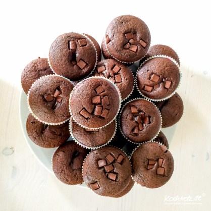 schoko-muffin-mit-erdnuss-kern-rezept-vegan-1-4