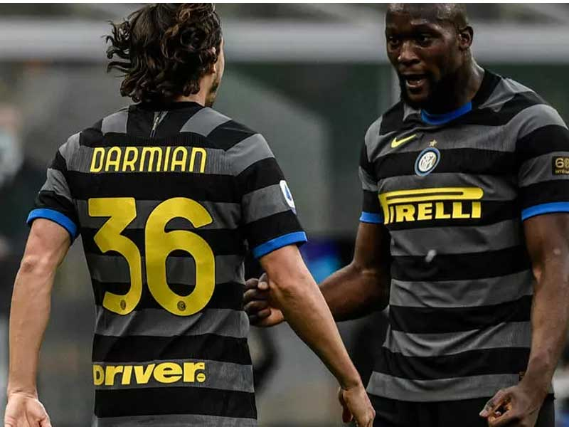 Quick-fire Lukaku helps Inter pull seven points clear