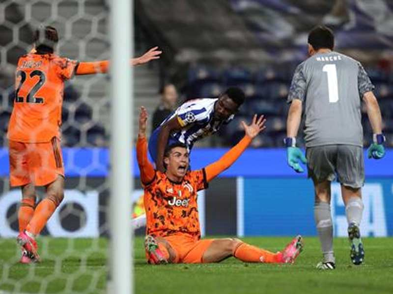 Cristiano Ronaldo rages at penalty decision as Porto down Juventus in Champions League