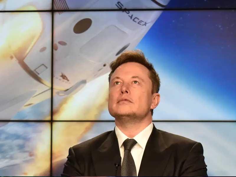 Elon Musk trolls Jeff Bezos as space race between world's richest men heats up