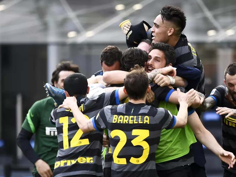 Inter Milan crowned Serie A champions for first time in 11 years after Sassuolo draw with Atalanta