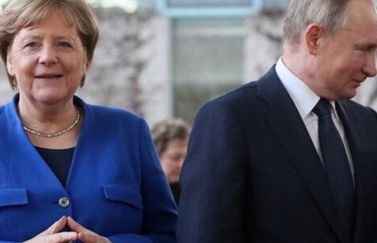Putin, Merkel Mark Anniversary Of End Of World War II