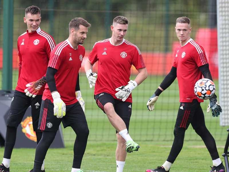 Manchester United handed Dean Henderson injury boost ahead of first pre-season fixture