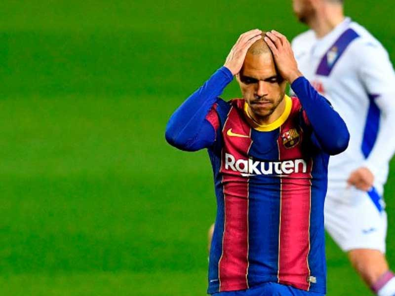 Brighton targeting €15m Barcelona striker who has preference to join West Ham or Wolves