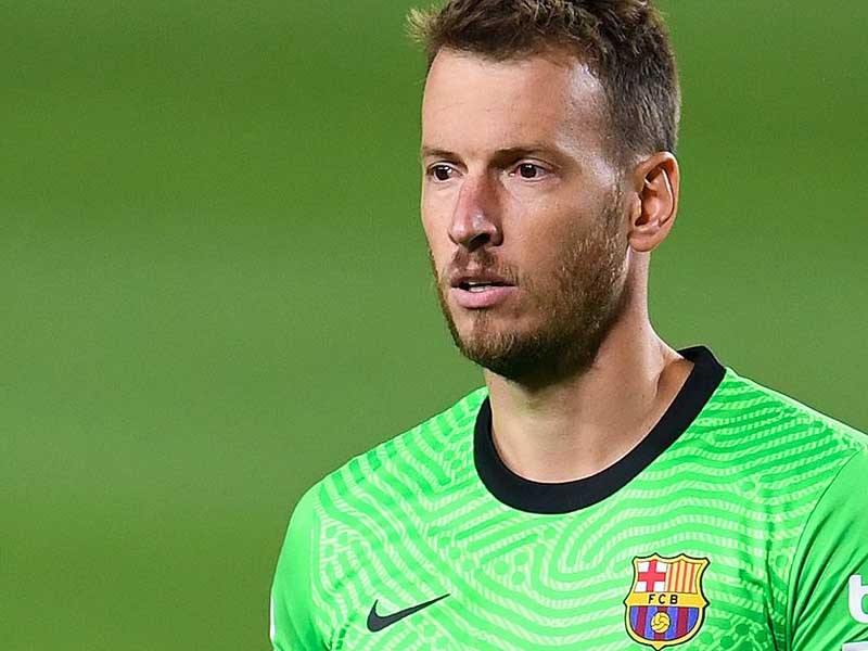 Barcelona not satisfied with first four offers for wantaway Neto