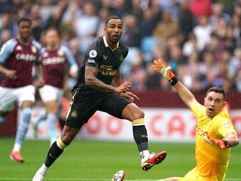 Pundit slams 'joke' Newcastle United penalty decision vs Aston Villa