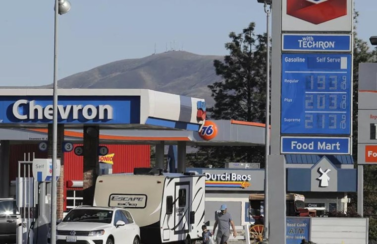 UK Government Downplays Fuel Shortage Threats After Gas Station Closures