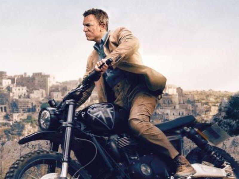 No Time To Die: James Bond stunt double hails thrilling bike scene