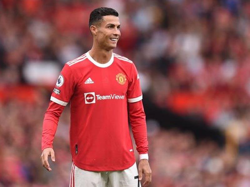 Cristiano Ronaldo's move to Man Utd was finalised in Gary Lineker's garden
