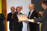 Übergabe Premi Josep M. Batista i Roca  an Heike Keilhofer