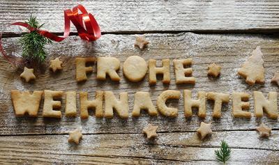 Joode Chressdach wünscht der Uli, der Köln-Lotse, Bild: gänseblümchen / pixelio.de