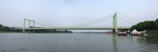 Die denkmalgeschützte Rodenkirchener Brücke, hier eine Aufnahme aus dem Jahr 2009, Bild: A.Savin