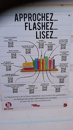 Lesen am Strand Lire à la plage Plakat