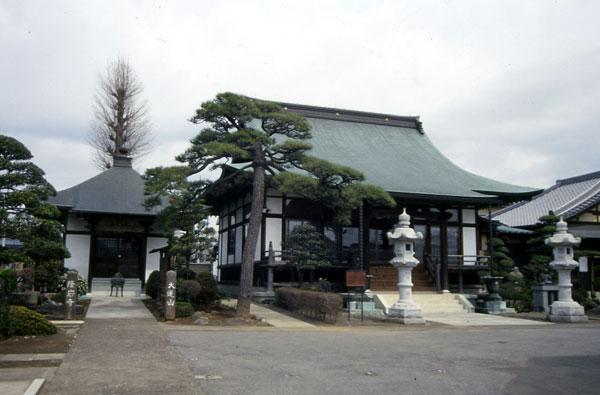 隆岩寺外観