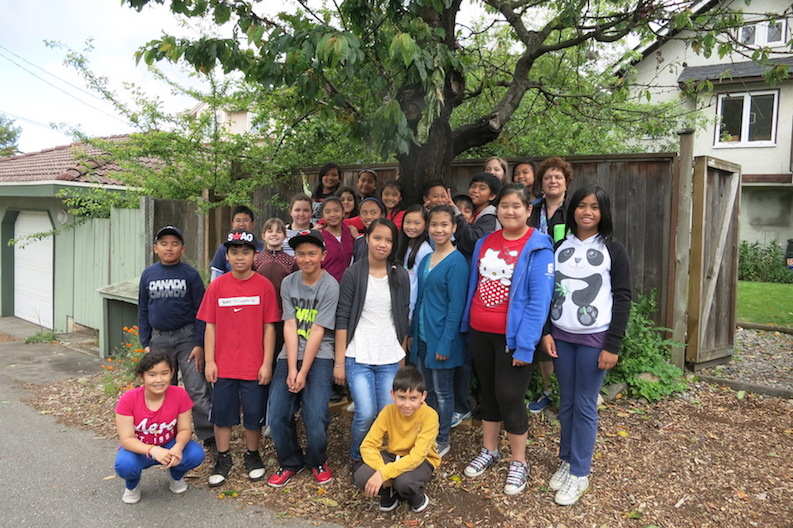 Elementary-school-group