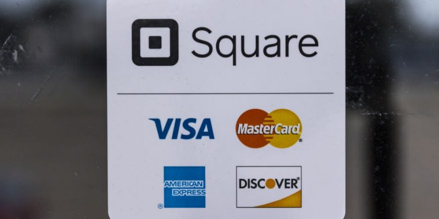 Square's earnings exceeded forecasts by 2.5 times, and Bitcoin sales increased by 1000 percent in a year.