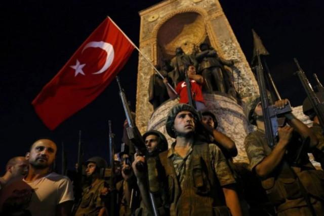 Në Turqi po armatosen xhamitë dhe partia e Erdoanit AKP
