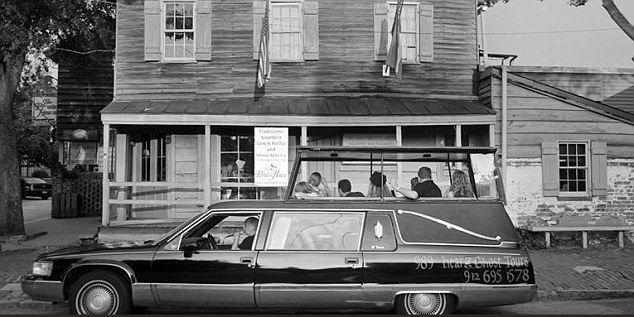 Qyteti horror, më shumë trupa nën dhe sesa mbi të (FOTO)
