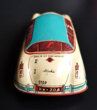 LO HUKI-Blechauto klein (2)