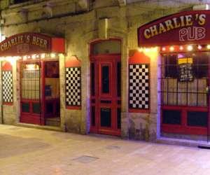 top 40 bars cafe et clubs a