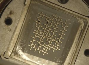 Chip idraulico per controllare e manipolare la materia