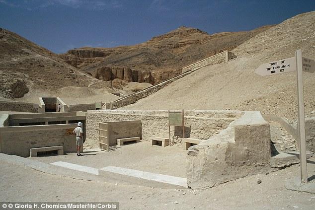 Nefertiti tomba nella tomba