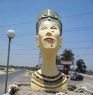 Nefertiti busto moderno
