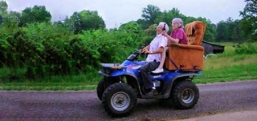 nonni giocano a far cry 4 foto divertenti, foto comiche, foto pazze
