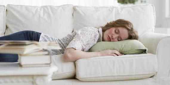 Benefici di un pisolino dopo pranzo