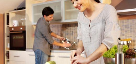 Metodo per dimagrire: cucinare a casa e spegnere la tv