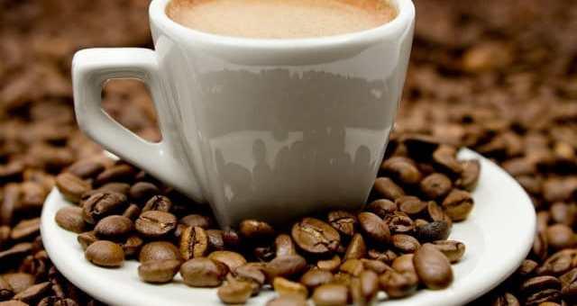 Bere caffè fa bene per prevenire il cancro della prostata