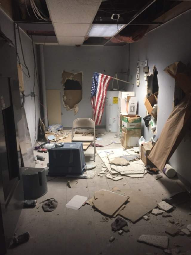 kelso haunted house vandalism 08022017_499861